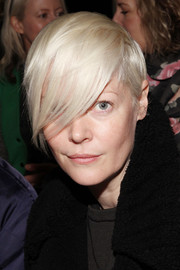 Kate Lanphear topped off her look with edgy-cool emo bangs when she attended the Peter Som fashion show.