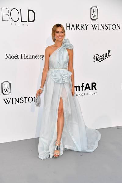 Petra Nemcova Evening Sandals [photo,gown,dress,flooring,wedding dress,fashion model,shoulder,bridal clothing,fashion show,fashion,bridal party dress,petra nemcova,alberto pizzoli,amfar gala cannes,czech,france,cap dantibes,hotel du cap-eden-roc,amfar,24th cinema against aids gala]