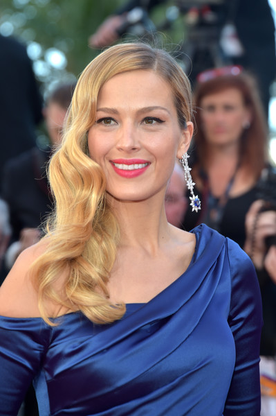 Petra Nemcova Side Sweep [hair,face,hairstyle,blond,eyebrow,beauty,shoulder,long hair,lip,brown hair,red carpet arrivals,petra nemcova,beats per minute,screening,cannes,france,cannes film festival,palais des festivals]