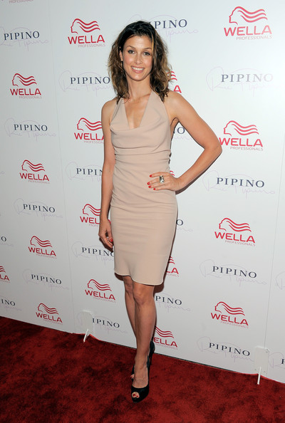 More Pics of Bridget Moynahan Platform Pumps (1 of 9) - Bridget Moynahan Lookbook - StyleBistro
