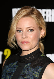 Elizabeth Banks looked romantic wearing this loose ponytail at the 'Pitch Perfect 2' VIP screening.