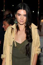 Kendall Jenner complemented her hairstyle with a pair of turquoise and silver chandelier earrings.