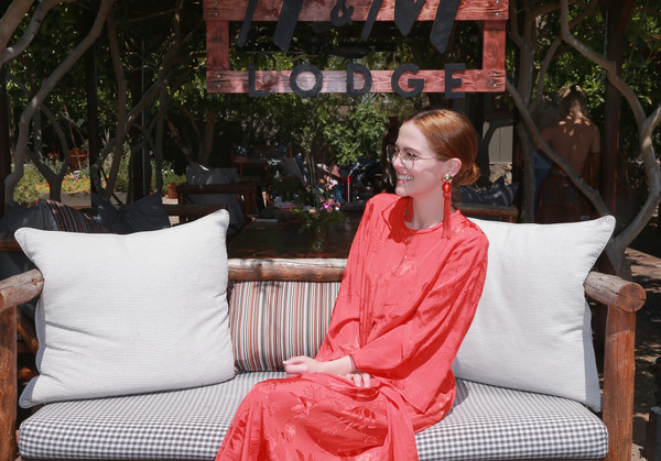 More Pics of Zoey Deutch Tasseled Shoulder Bag (1 of 4) - Zoey Deutch Lookbook - StyleBistro [red,sitting,leisure,furniture,vacation,tree,h m,the sparrows lodge,palm springs,california,zoey deutch]