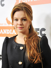 Amber Tamblyn wore her copper locks in a voluminous half up, half down updo at the premiere screening of 'Portlandia.'