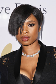 Jennifer Hudson looked super cool with her emo bangs at the pre-Grammy gala.