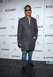 Cuba Gooding Jr. kept his look sleek and casual with a super streamline wool coat.