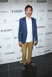Dan Stevens chose a casual and cool navy blazer for his look at the screening of 'The Great Gatsby.'