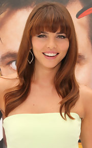 Ophelia styled her hair in soft waves and blunt cut bangs for the premiere of 'Mr. Popper's Penguins.'