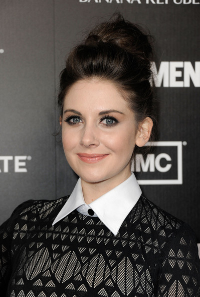 More Pics of Alison Brie Shirtdress (1 of 11) - Alison Brie Lookbook - StyleBistro
