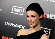 Jessica Pare attended the fifth season premiere of 'Mad Men' looking ultra-chic with her hair swept back in a classic loose bun.