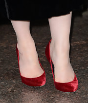 Christina Hendricks' red velvet pumps were almost as red as the actress' fiery red locks at the red carpet of 'Mad Men' Season 6.