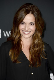 Gloria Votsis left her hair down with lovely waves when she attended the premiere of 'The Walking Dead' season 4.