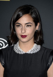 Alanna Masterson looked oh-so-pretty at the 'Walking Dead' season 4 premiere wearing her hair in a short side-parted style with wavy ends.