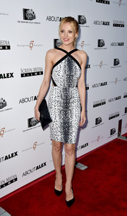 Bar Paly complemented her dress with a sophisticated beaded black clutch.