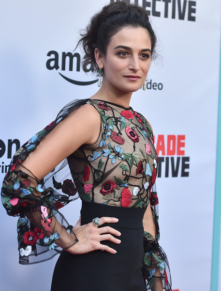 Jenny Slate attended the premiere of 'Comrade Detective' wearing a square-shaped cocktail ring.