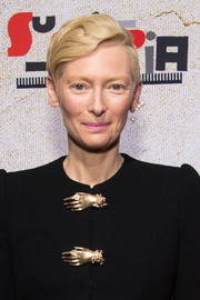 Tilda Swinton wore a sculpted short 'do at the premiere of 'Suspiria.'