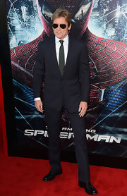 Even Spider-Man would have been envious of Denis Leary's classic black suit.
