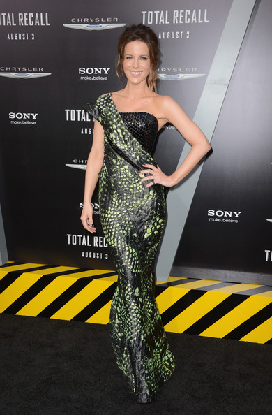 Kate Beckinsale in Armani Prive