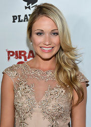 Katrina Bowden showed off her tumbling waves with a deep side part.