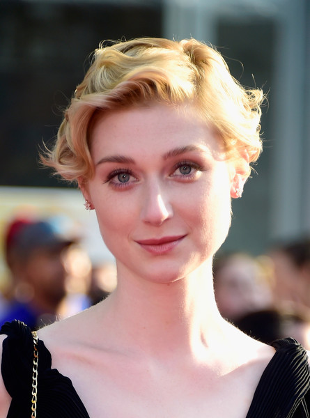 Elizabeth Debicki S Short Curls Short Wedding Hair Stylebistro