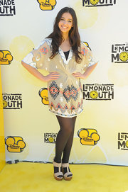 Naomi Scott looked great in printed kimono-style dress at the 'Lemonade Mouth' premiere.