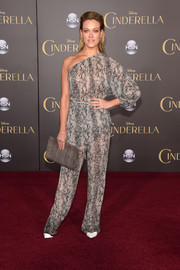 Peta Murgatroyd looked fierce at the Hollywood premiere of 'Cinderella' in a gray snakeskin-print one-shoulder blouse.