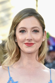 Judy Greer sported a sweet bobby-pinned wavy 'do at the premiere of 'Guardians of the Galaxy Vol. 2.'