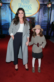 Tiffani Thiessen looked sharp in a gray coat with oversized lapels at the premiere of 'Mary Poppins Returns.'