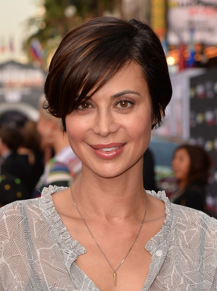 More Pics of Catherine Bell Side Parted Straight Cut (3 of 4) - Short Hairstyles Lookbook - StyleBistro