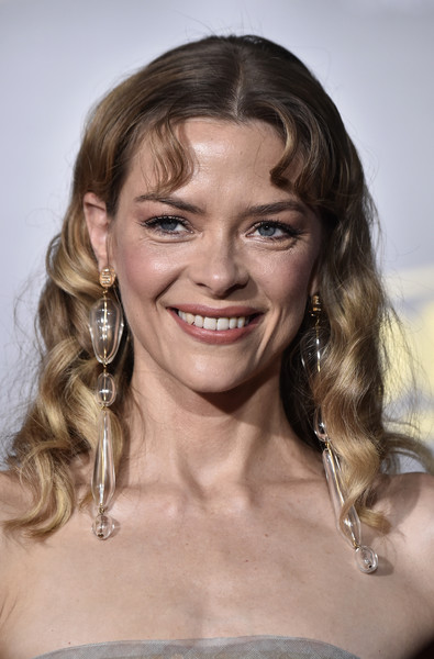 More Pics of Jaime King Strapless Dress (1 of 5) - Dresses & Skirts Lookbook - StyleBistro [solo: a star wars story,hair,face,hairstyle,blond,eyebrow,chin,beauty,smile,lip,long hair,arrivals,jaime king,california,los angeles,lucasfilm,disney pictures,premiere of disney pictures,premiere]