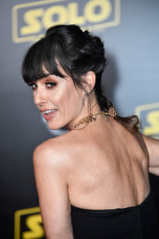Constance Zimmer rocked a messy French braid at the premiere of 'Solo: A Star Wars Story.'