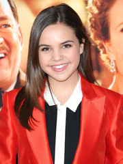 Bailee Madison opted for simple styling with this loose layered cut when she attended the premiere of 'Saving Mr. Banks.'