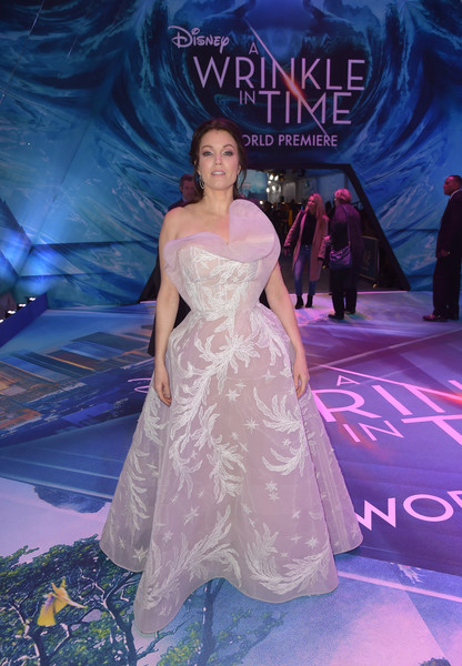Bellamy Young looked breathtaking in a strapless white Azzi & Osta Couture gown with a sculptural neckline and leaf embroidery at the premiere of 'A Wrinkle in Time.'