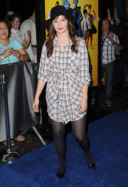 Amber Tamblyn donned black patent ballet flats.