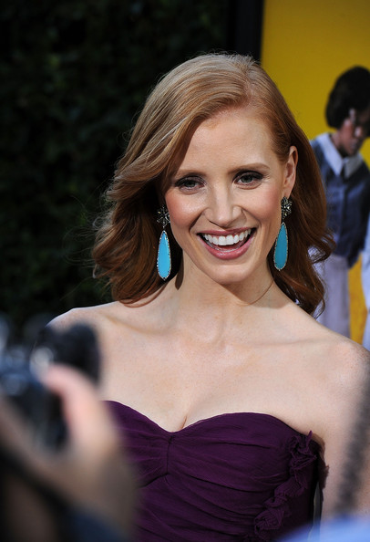 More Pics of Jessica Chastain Dangling Diamond Earrings (3 of 10) - Jessica Chastain Lookbook - StyleBistro