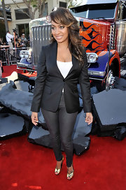 La La Anthony paired gray skinny pants with her blazer for a sexy finish during the premiere of 'Transformers: Revenge of the Fallen'