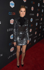 Aubrey Plaza looked sensational in a silver tie-neck sequin dress by Rasario at the premiere of 'Legion.'