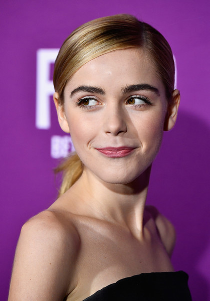 Kiernan Shipka slicked her hair back into a simple side-parted ponytail for the premiere of 'Feud: Bette and Joan.'