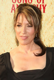 Katey Sagal styled her hair in a slightly messy half-up half-down 'do for the 'Sons of Anarchy' Season 2 premiere.