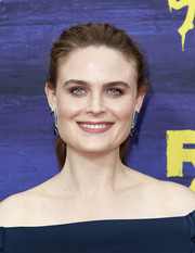 Emily Deschanel kept it casual with this brushed-back ponytail at the premiere of 'It's Always Sunny in Philadelphia' season 13.