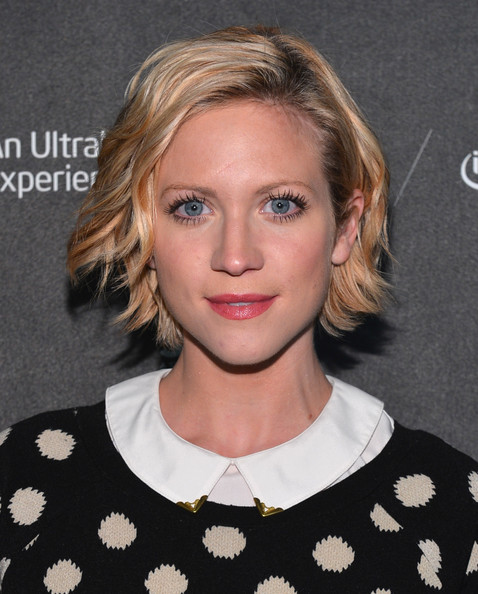 More Pics of Brittany Snow Short Wavy Cut (5 of 10) - Short Wavy Cut Lookbook - StyleBistro