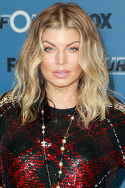 Fergie framed her face with messy-chic waves for the premiere of 'The Four: Battle for Stardom' season 2.
