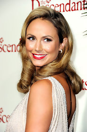Stacy Kiebler wore a pair of golden shadow crystal Maggy earrings at the premiere of 'The Descendants.'