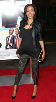 Michelle Williams was tough-chic at the 'Baggage Claim' premiere in camouflage skinnies and a leather jacket.