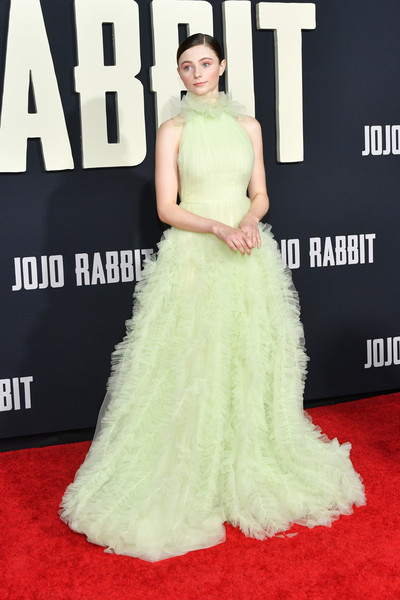 Thomasin McKenzie had a princess moment at the premiere of 'Jojo Rabbit' in a ruffled green halter gown by Jason Wu.