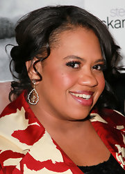 Chandra paired her pinned up ringlets with beautiful diamond earrings.