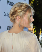 We just can't get over Jennifer Morrison's fishtail helmet braid.