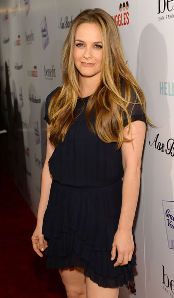More Pics of Alicia Silverstone Long Wavy Cut (4 of 7) - Long Wavy Cut Lookbook - StyleBistro