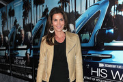 Model Cindy Crawford arrives to the premiere of the HBO documentary
