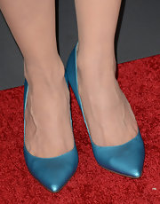 Michelle Forbes chose a pair of pale blue pumps with a metallic sheen for her colorful footwear.